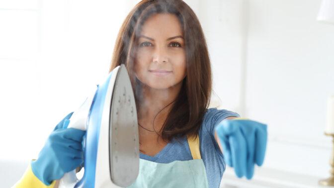 Jak vyčistit žehličku? Stačí vám tři ingredience, které máte běžně doma