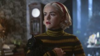 Zpívající Charles Manson a skutečná čarodějnice: TOP zajímavosti o seriálu Sabrinina děsivá dobrodružství