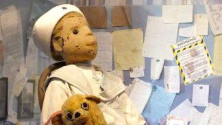 Nejděsivější panenka na světě Robert: Od roku 1906 prý stárne a má teplotu jako živý organismus
