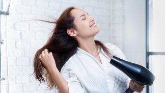 Fénujte si vlasy správně. Budete vypadat, jako byste právě opustila salon