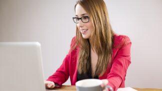 PORADNA: Manžel žárlí na mou práci. Zkušená psycholožka nabízí řešení