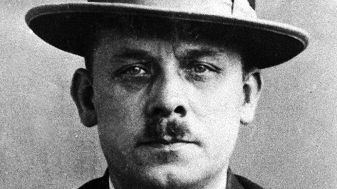 """Upír z Hannoveru Karl """"Fritz"""" Haarmann: Maso svých obětí prodával na nedělní řízky"""