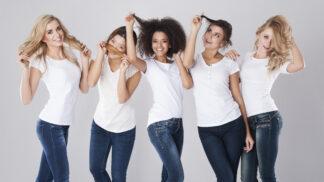 Rovné, vlnité nebo kudrnaté vlasy: Jak se o ně správně starat, aby udělaly parádu