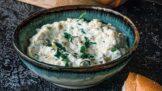 Hermelínová pomazánka na rychlou večeři, kterou zvládnou připravit i děti