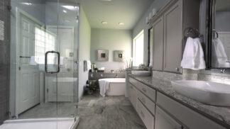 Jak odstranit vodní kámen ze skla: Vyčistit sprchový kout pomohou i tyhle obyčejné suroviny