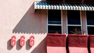 Tajemství čísla 666: Najdeme ďábla ve jménech diktátorů i v čárových kódech potravin?