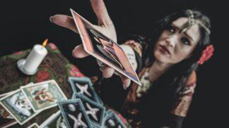 Šarlota (36): Kamarádka mi několikrát vyložila tarotové karty. Jedna se neustále opakovala
