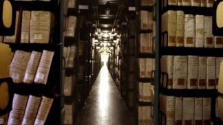 Výbušná tajemství archivu ve Vatikánu: Ukrývá pravdu o potomcích Ježíše nebo stroj času?