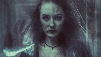 Šílená chůva Christine Falling: Nejdřív vyhazovala z okna kočky, pak začala vraždit děti