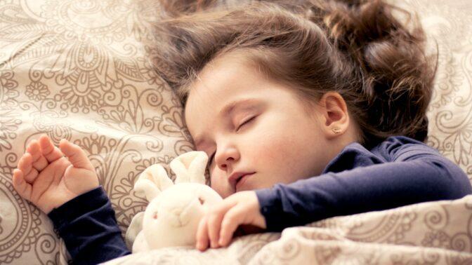 Jak se dobře a zdravě vyspat? Zkuste 9 zásad profesora Ondřeje Ludky