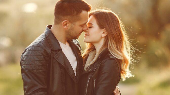 Eva (26): Kamarád byl smutný ze své přítelkyně a já ho chtěla povzbudit. Zvrtlo se nám to