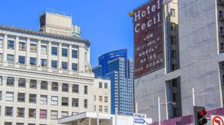 Záhada hotelu Cecil: Na kontě má bizarní smrt studentky Elisy Lam i poslední skleničku Černé Dahlie