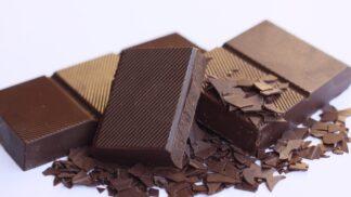 Nové čokolády prémiové řady Tesco Finest. Zšesti nových příchutí si vyberou všichni její milovníci