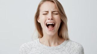 Eliška (30): Manžel odletěl sám na naše líbánky, aniž by mi o tom řekl. Prý bych stejně nechtěla