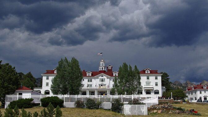 Stanley, hotel s temnou pověstí: V pokoji č. 217 se zrodil jeden z nejslavnějších hororů