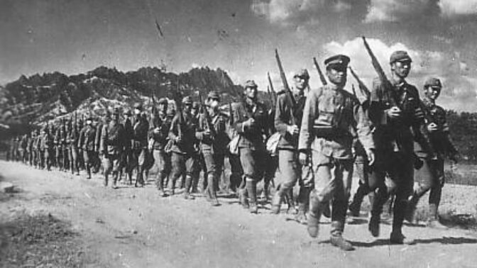 Armáda kanibalů: Japonští vojáci údajně řezali z lidí kousky masa zaživa, na talíři měl skončit i George Bush