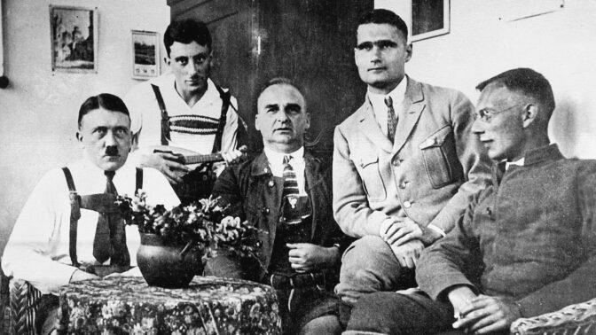 Na apríla dostal Hitler jen aprílový trest: Soud za pivní puč pojal jako reklamu