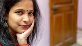 Pětadvacetiletá Indka plakala během menstruace krev, vyléčilo ji až nasazení hormonální antikoncepce