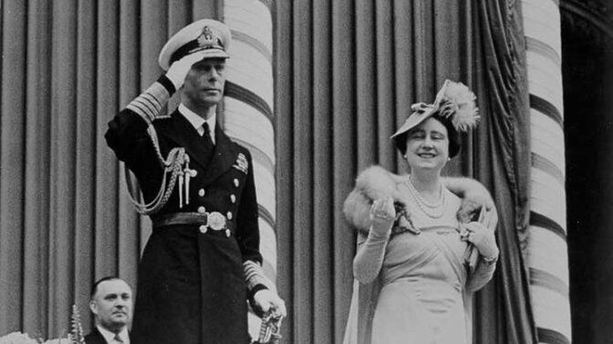 Elizabeth Bowes-Lyon: Žena, které se bál i samotný Hitler