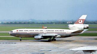Krutý konec letu Turkish Airlines 981: Technická chyba vymrštila ven šest cestujících i se sedačkami, nastalo peklo