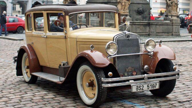 Den, kdy Praha začala jezdit vpravo: Nacisté u nás chtěli mít pohodlí jako doma