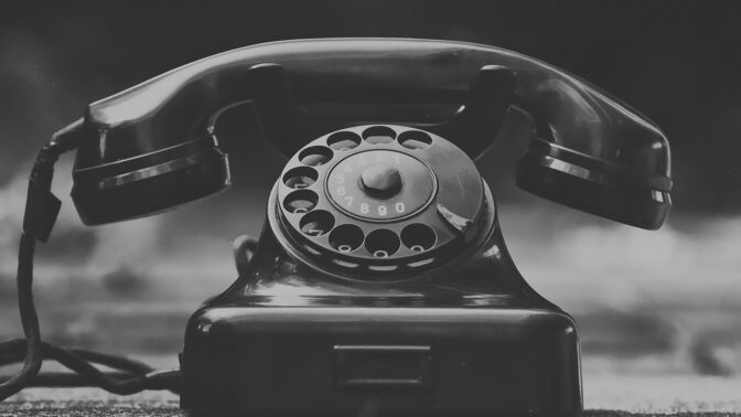 6 nejděsivějších telefonních čísel: Některá vám podle legend nedají spát, jiná žít