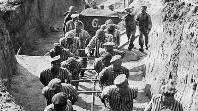 Den, kdy se otevřelo peklo: Branou koncentračního tábora Dachau prošli první vězni dlouho před válkou