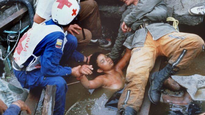 Umírala všem před očima: Fotografie uvězněné třináctileté Omayry Sánchez šokovala svět