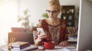 Co nosit na home office? Inspirujte se elegantními a pohodlnými kousky, se kterými vás žádný videohovor nezaskočí