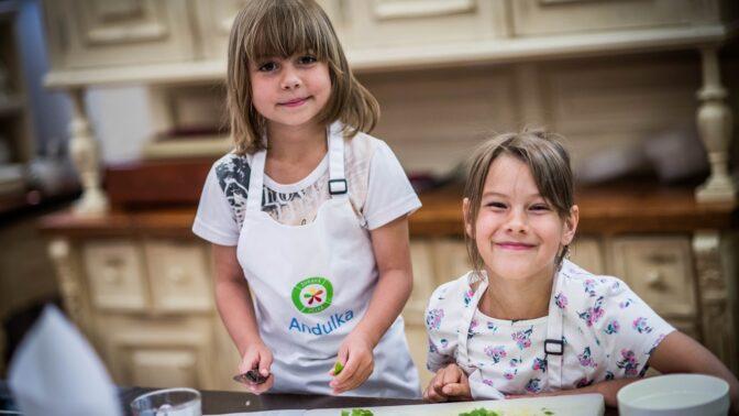 Zábava v kuchyni: 3 snadné svačinky, které zvládnou i nejmenší děti