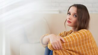 PORADNA: Manžel se nechce odstěhovat od rodičů. Jak s ním pohnout, radí zkušená psycholožka