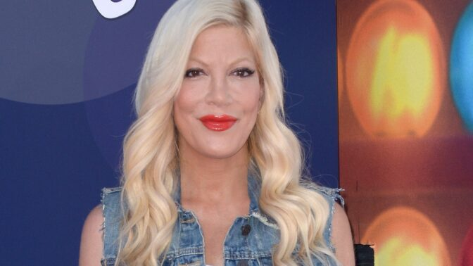 Donna z Beverly Hills 90210 ukázala rodinku. Má pět dětí, prožily si peklo se šikanou