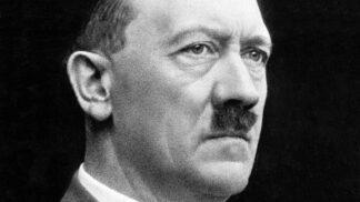 Hitlerova milovaná fena Blondi: Vůdce ji otrávil kyanidem, neušetřil ani její malá štěňata