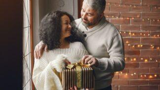 Andrea (47): Odhalila jsem manželovu tajnou skrýš. Už je mi jasné, proč mi kupoval drahé dárky