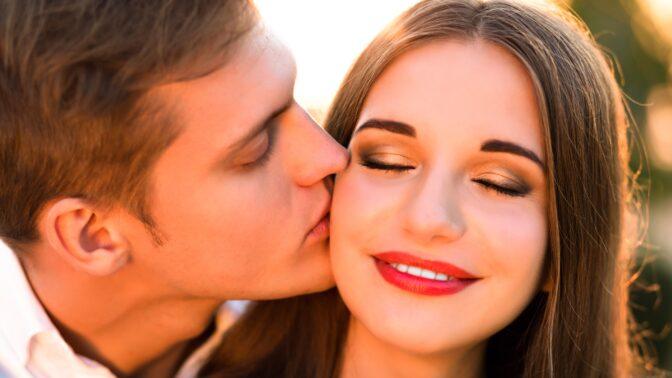 Horoskop lásky na duben 2021: Vodnáři budou tlačit na svatbu, Střelcům půjde jen o pletky
