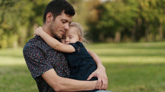 PORADNA: Bývalka se chce vrátit do života naší dcery. Podle psycholožky existuje jediné správné řešení