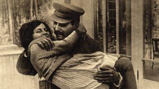 Stalin a jeho věrné ženy: Po diktátorově loži následovala záhadná úmrtí nebo gulag