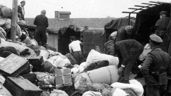 Rudolf Vrba a Alfréd Wetzler utekli z pekla: Díky nim svět zjistil pravdu o Osvětimi