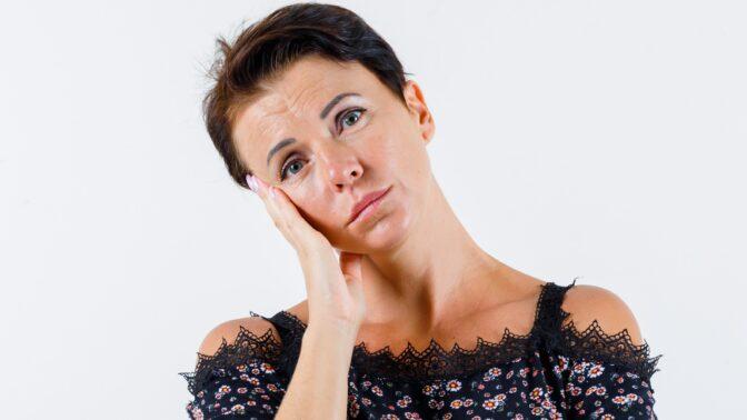 Lucie (44): Manžel měl v posteli jinou ženu. Byla jsem tak v šoku, že jsem čekala, až skončí