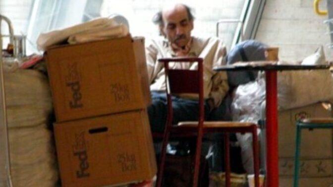 Skutečný hrdina filmu Terminál: Íránský uprchlík přišel o 18 let života a vyvinula se u něj psychická porucha