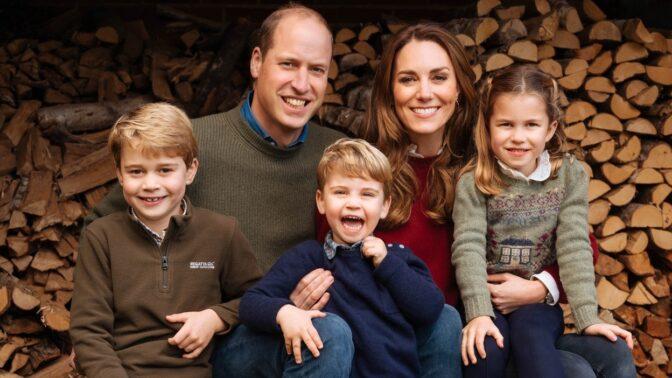 Princ William a Kate zveřejnili fotky k 10. výročí svatby, jen zásnubní prsten má cenu přes 8 milionů