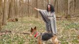 Stela (55): Kamarádka je závislá na záchraně opuštěných psů. Řeší tím rodinnou tragédii