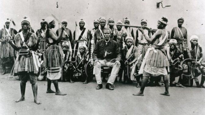 Dahomejské Amazonky: Elitní jednotka panen byla postrachem francouzské armády, hlavy řezaly bez mihnutí oka