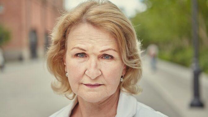 Ludmila (51): Vnučka se mě začíná ptát, kde je její máma. Bojím se jí říct pravdu