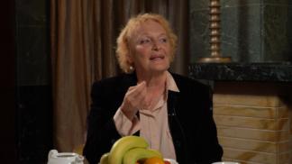Thumbnail # Na kafeečko: Regina Rázlová o manželství, komunismu i životě mezi samými ženami