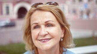 Milena (61): Mrzelo mě, že se nedočkám vnoučat. Díky manželově šílenému nápadu je přeci jen mám