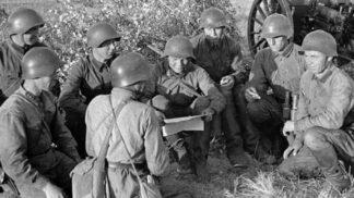 Plán Spojenců na sesazení nacistického vůdce: Knír pryč a prsa sem!