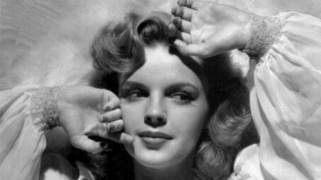 Trápení herečky Judy Garland: Co nejdéle musela vypadat jako dítě, držela drastickou dietu