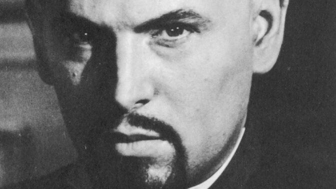 """Divoký život """"Černého papeže"""": Anton LaVey pořádal rituály plné orgií, hollywoodských hvězd a uctívání Satana"""