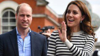 Námořnické proužky se vracejí: Vypilujte svůj outfit jako Kate Middleton či Meghan Markle